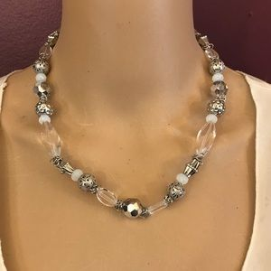 NWT Cookie Lee faceted glass short necklace